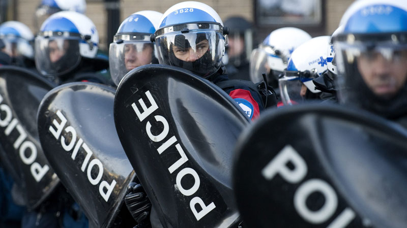 May 2012 Quebec police confronting students