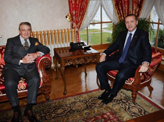 Rahmi Koc (left) and PM Erdogan (right)